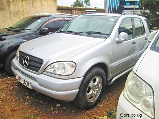 Used mercedes benz ml320 1998 ml320 for sale kampala for Used mercedes benz ml320