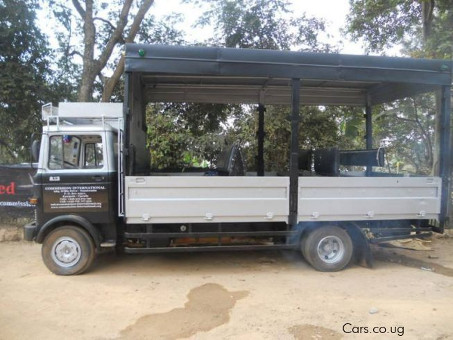 Used mercedes benz truck 1998 truck for sale namirembe for Used mercedes benz truck
