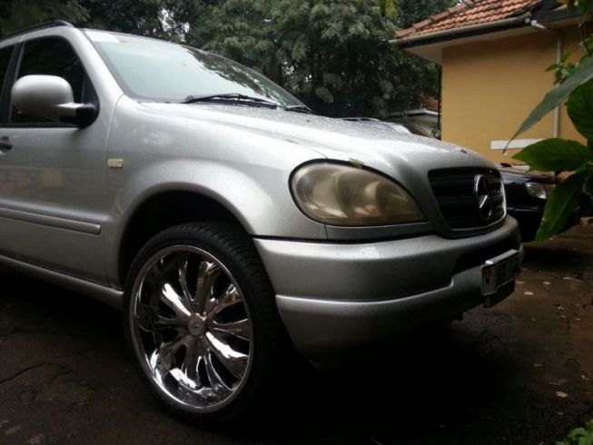 Used mercedes benz ml320 1999 ml320 for sale kampala for Used mercedes benz ml320