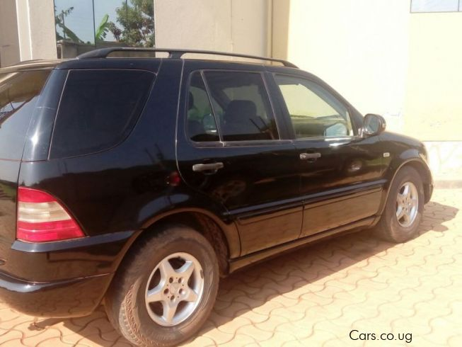 Used mercedes benz ml320 2000 ml320 for sale kampala for Used mercedes benz ml for sale