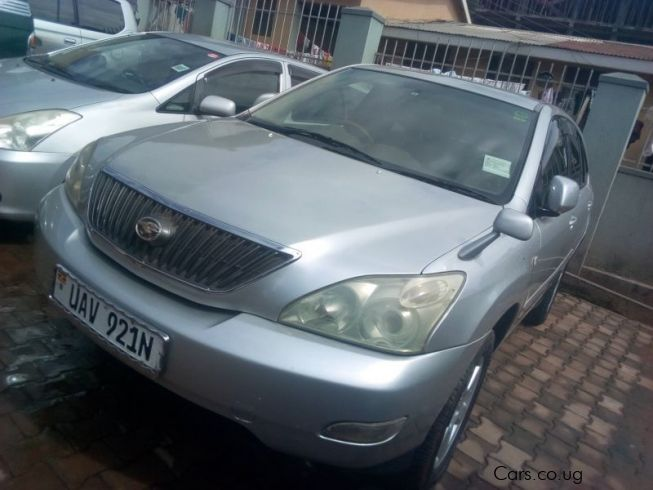 Toyota Harrier in Uganda