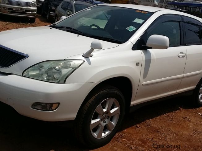 used toyota harrier hybrid 2003 harrier hybrid for sale kampala toyota harrier hybrid sales. Black Bedroom Furniture Sets. Home Design Ideas