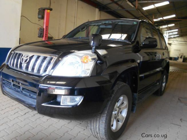 Toyota LAND CRUISER PRADO in Uganda