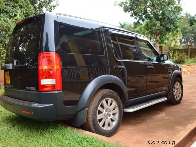 Land Rover Discovery 3 in Uganda