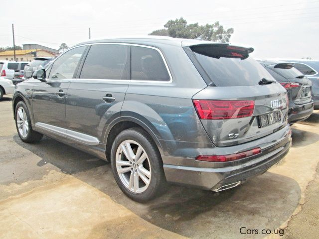 used audi q7 quattro 2016 q7 quattro for sale kampala audi q7 quattro sales audi q7. Black Bedroom Furniture Sets. Home Design Ideas
