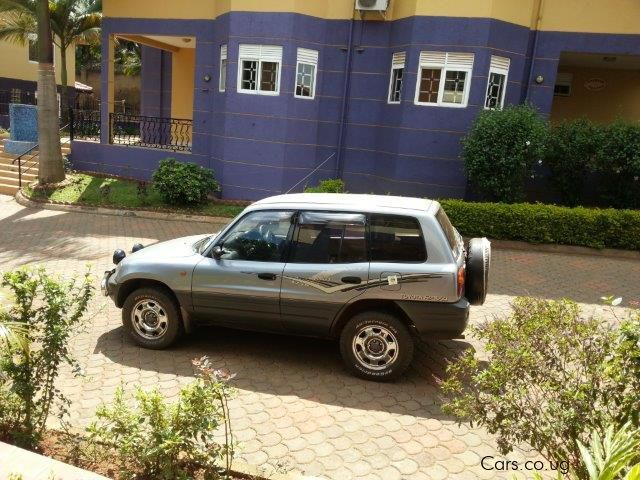 used toyota rav4 1996 rav4 for sale kampala toyota rav4 sales toyota rav4 price ush 8m. Black Bedroom Furniture Sets. Home Design Ideas
