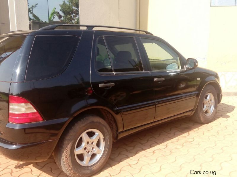 Used mercedes benz ml320 2000 ml320 for sale kampala for Used mercedes benz ml320
