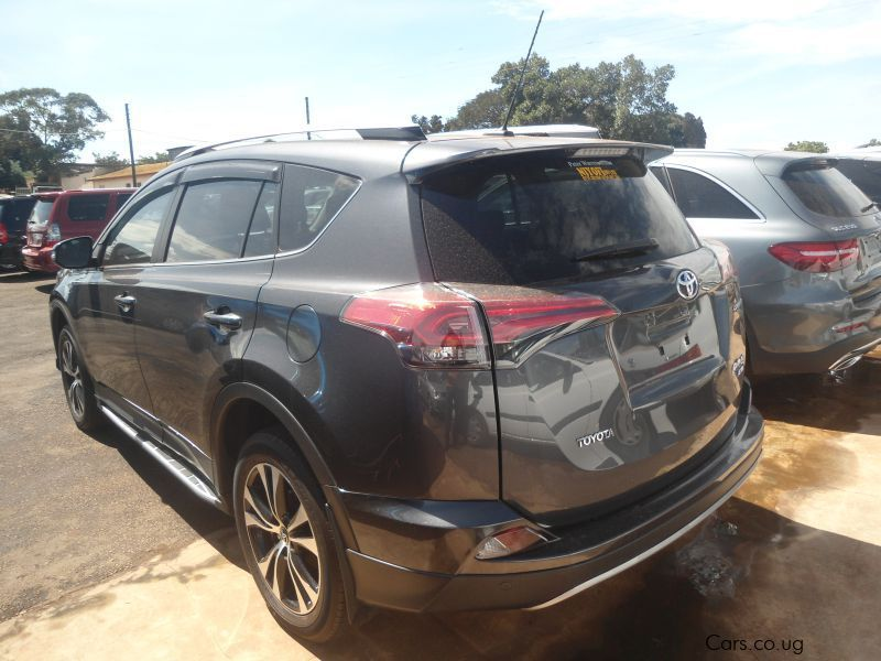 used toyota rav 4 2016 rav 4 for sale kampala toyota rav 4 sales toyota rav 4 price ush. Black Bedroom Furniture Sets. Home Design Ideas