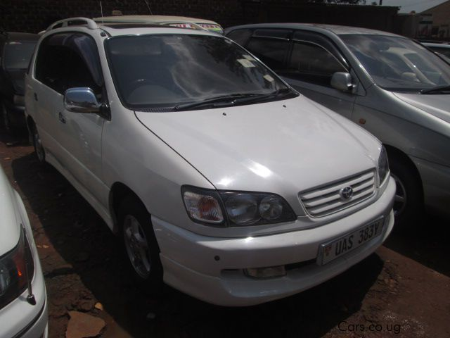 Pre-owned Toyota Ipsum for sale in Kampala