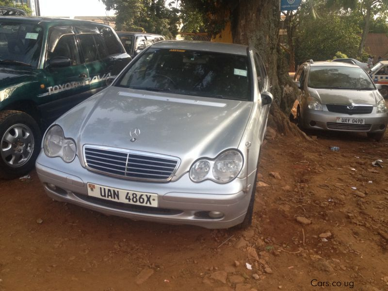 Pre-owned Mercedes-Benz C200 Kompressor for sale in Kampala
