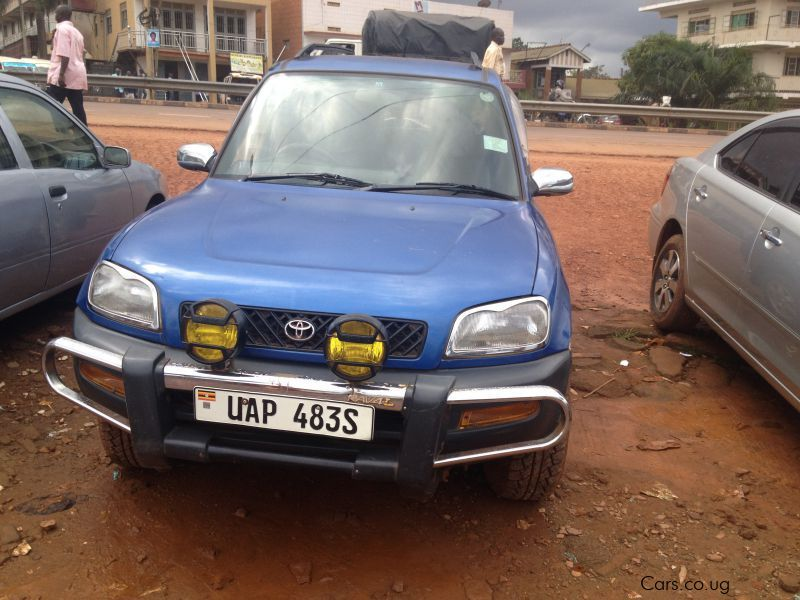 Pre-owned Toyota RAV-4 (L) for sale in Kampala