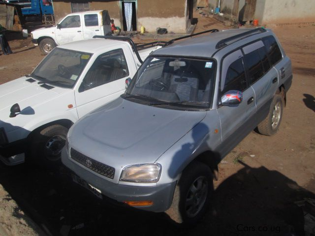 Pre-owned Toyota Rav4 for sale in Kampala