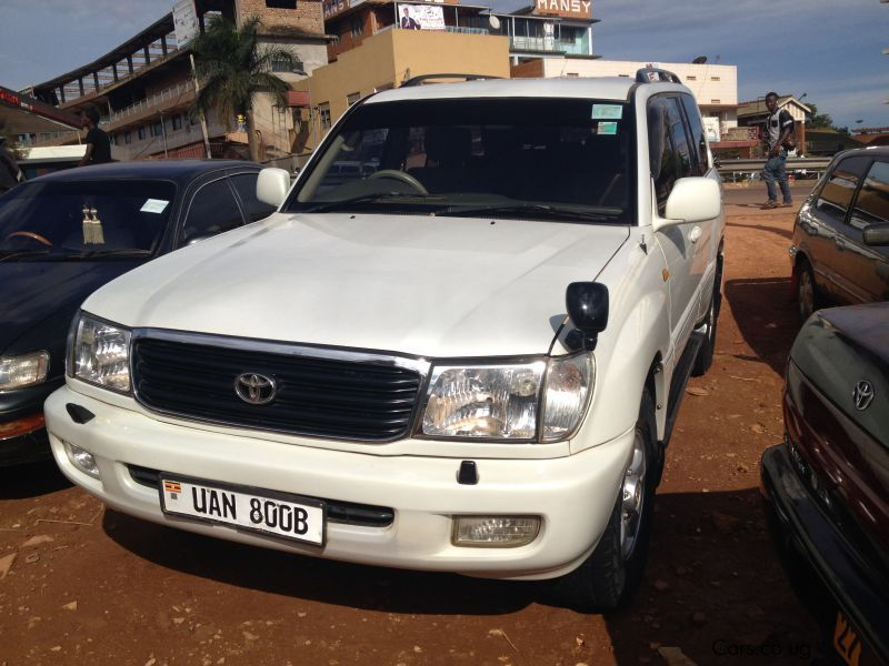 Pre-owned Toyota Land Crusier VX for sale in Kampala