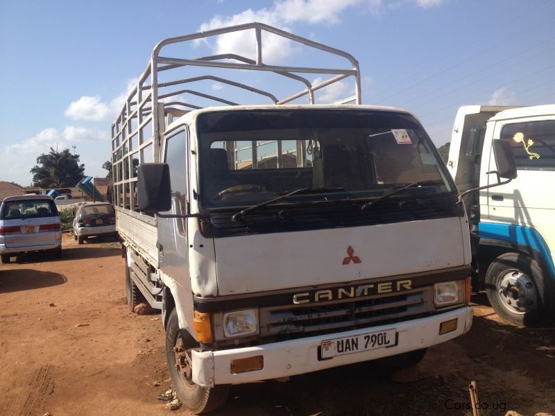 Pre-owned Mitsubishi Canter for sale in Kampala