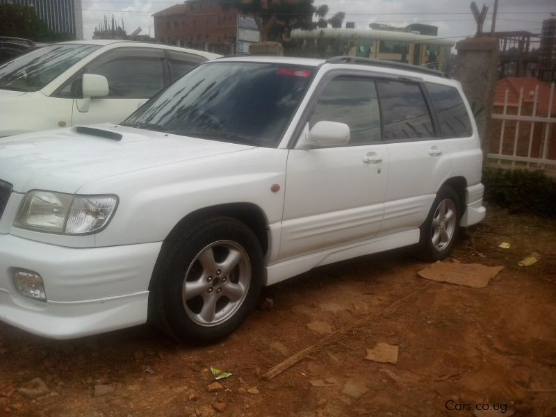 Pre-owned Subaru 2000 for sale in Kampala
