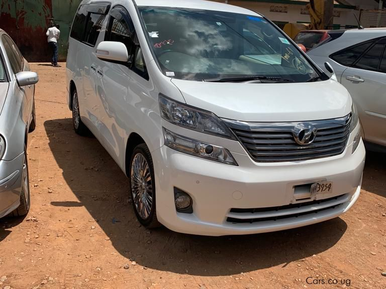 Pre-owned Toyota VellFire for sale in