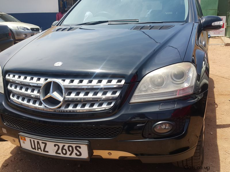Pre-owned Mercedes-Benz 320 for sale in