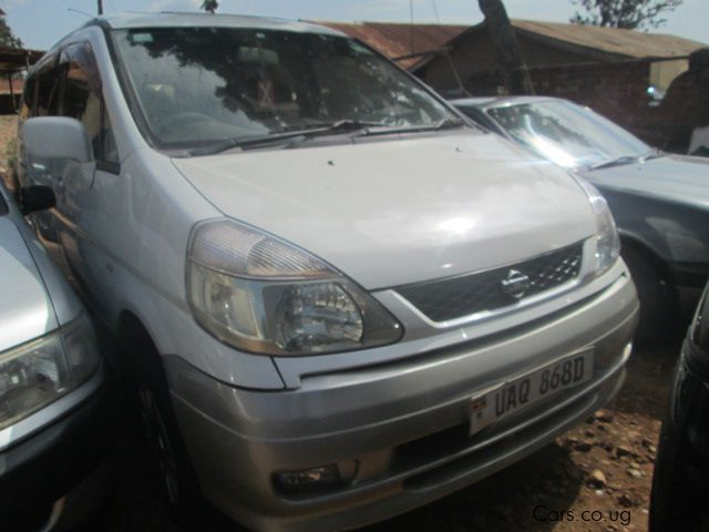 Pre-owned Nissan Serena for sale in Kampala