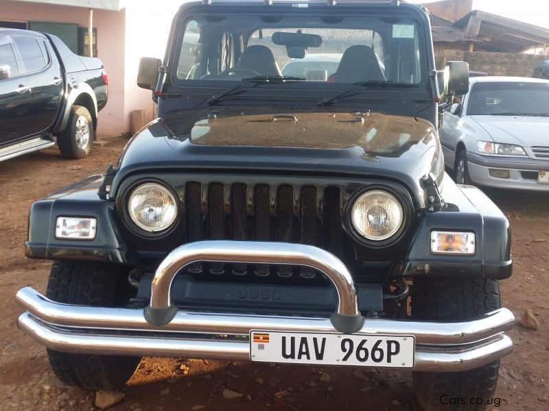 Pre-owned Jeep 2005 for sale in Kampala