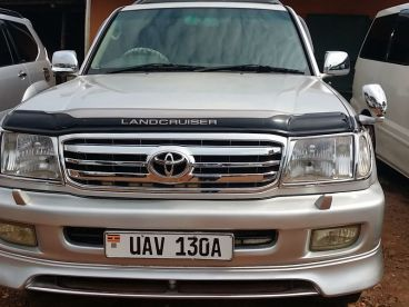 Pre-owned Toyota Landcruiser V8 for sale in