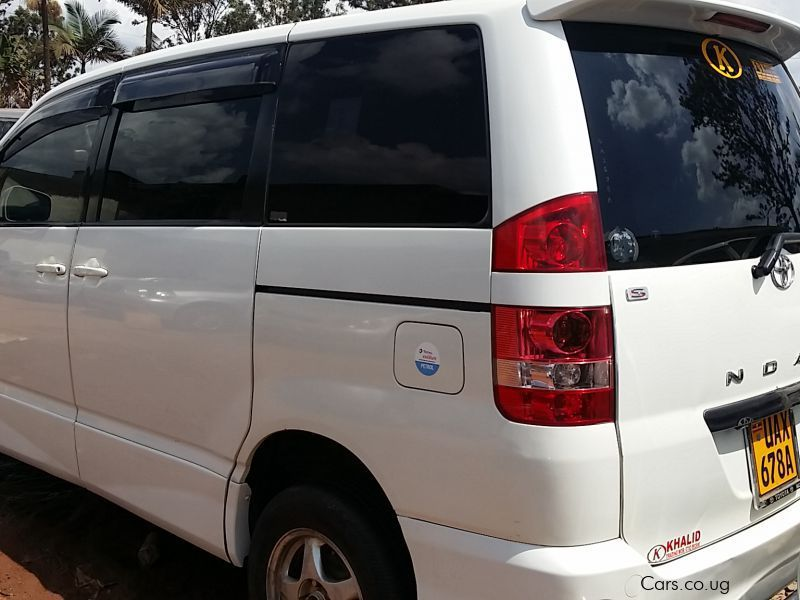 Pre-owned Toyota NOAH VOXY for sale in Kampala