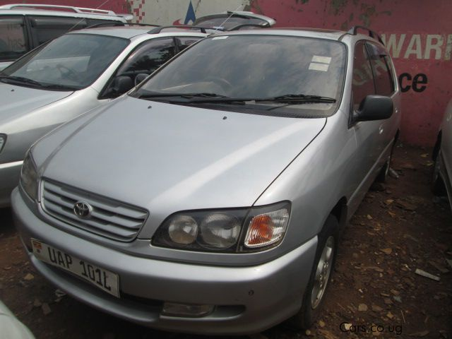 Pre-owned Toyota Ipsum for sale in Bakuli Kampala