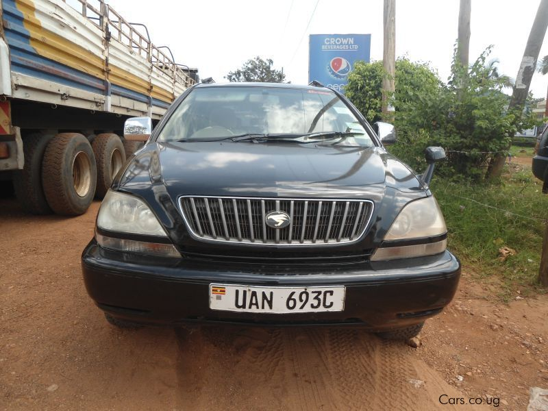 Pre-owned Toyota Harrier for sale in Kampala