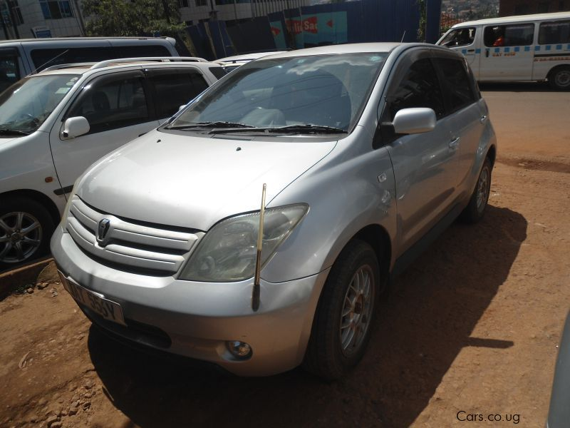 Pre-owned Toyota IST for sale in Kampala