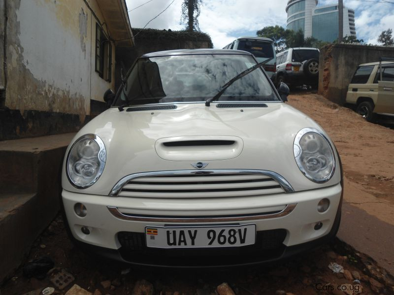Pre-owned Mini Cooper for sale in Kampala