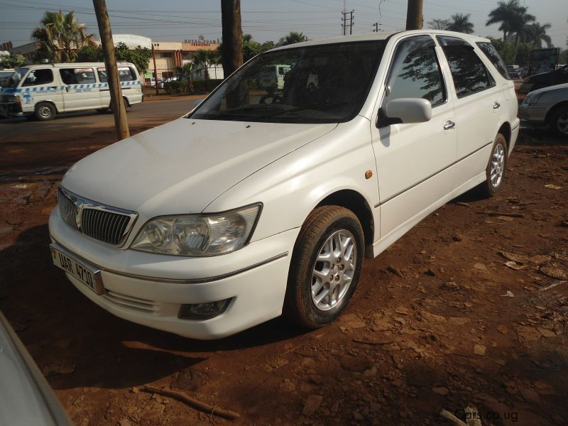 Pre-owned Toyota Vista for sale in Kampala