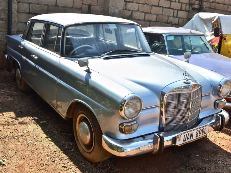 Pre-owned Mercedes-Benz 200  for sale in