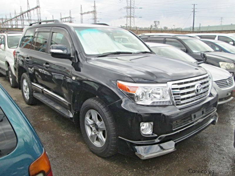 Pre-owned Toyota Land Cruiser V8 for sale in