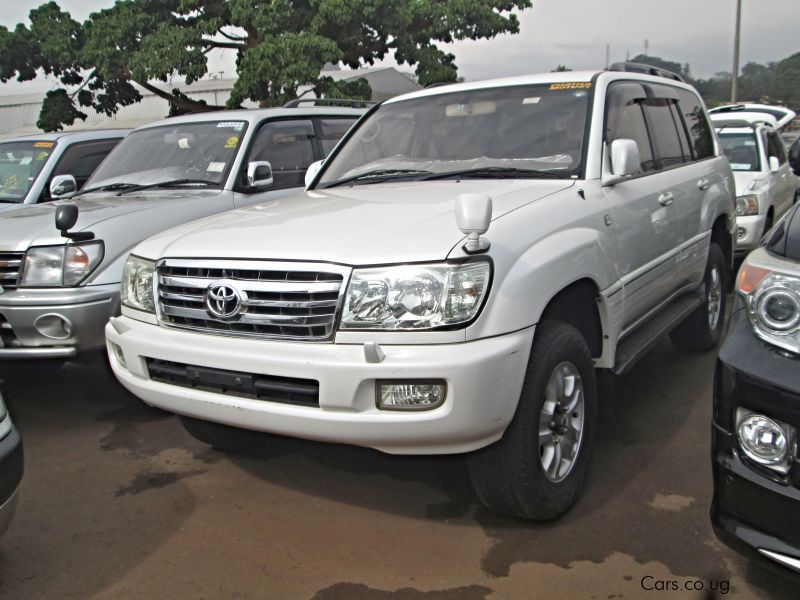 Pre-owned Toyota Land Crusier V8 for sale in