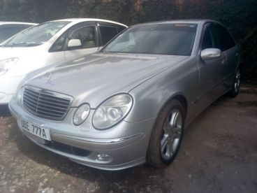 Pre-owned Mercedes-Benz Benz E320 for sale in