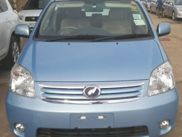 Pre-owned Toyota Raum for sale in