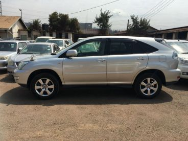 Pre-owned Toyota HARRIER DBA-ACU30W for sale in
