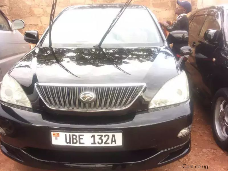 Pre-owned Toyota black harrier 2006 model for sale in