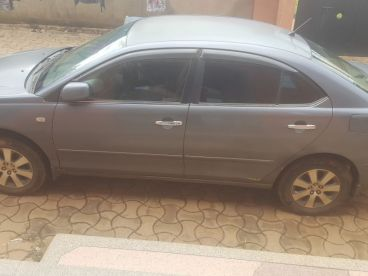 Pre-owned Toyota Premio ZZT240 for sale in