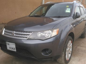 Pre-owned Mitsubishi Out Lander for sale in