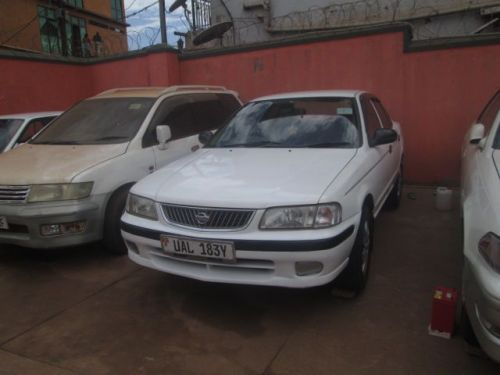 Used Nissan Sunny for sale in Kampala