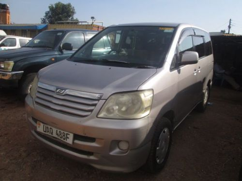 Used Toyota Noah for sale in Kampala